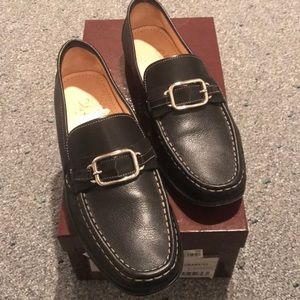 Gorgeous black leather loafers